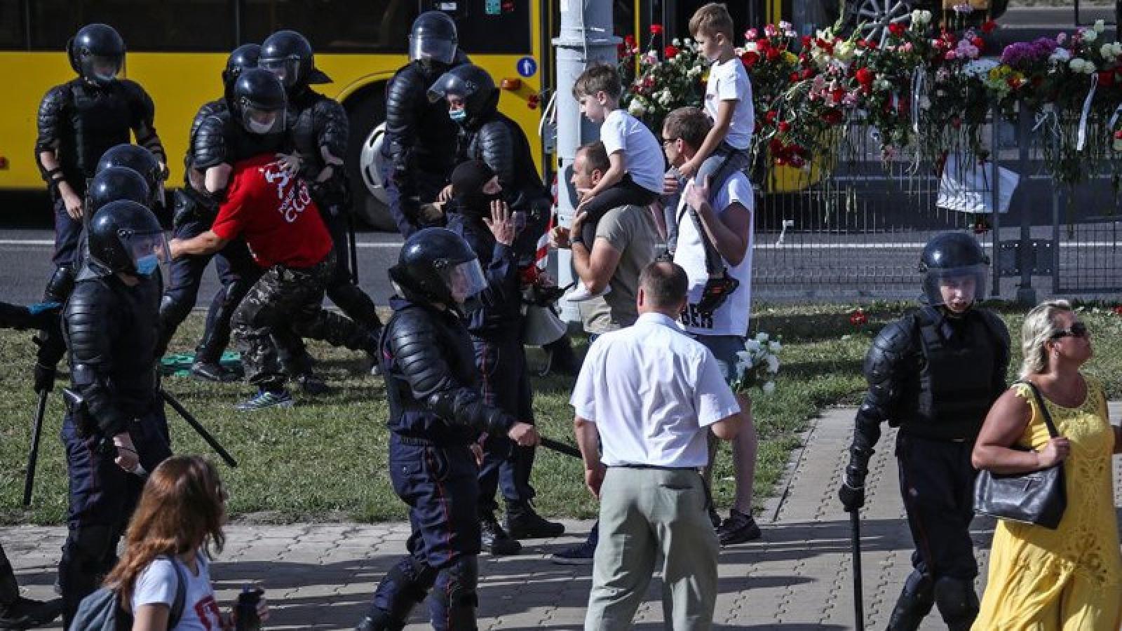 Cộng đồng quốc tế quan ngại về tình hình bạo lực tại Belarus sau bầu cử
