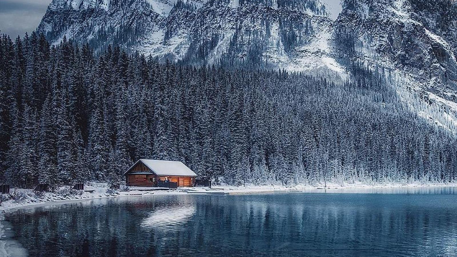 Vẻ đẹp huyền ảo của Công viên quốc gia Banff ở Canada