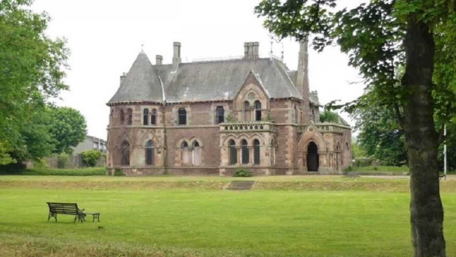 30.000 đồng có thể mua biệt thự cổ nguy nga, tráng lệ ở Anh