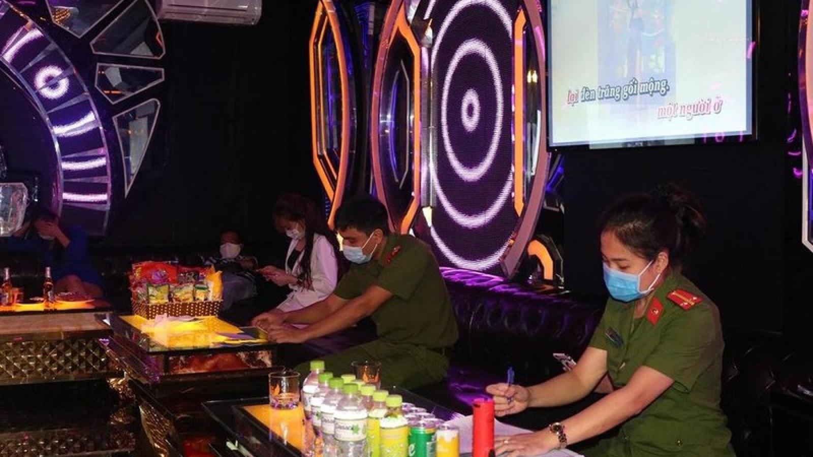 Hải Phòng phát hiện, xử lý quán karaoke bất chấp lệnh cấm