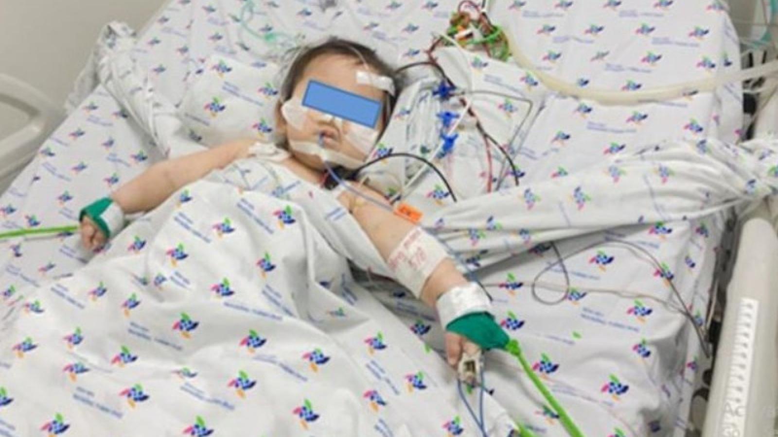 Cứu một trẻ nhỏ bị sỏi đường tiết niệu gây suy thận cấp hiếm gặp