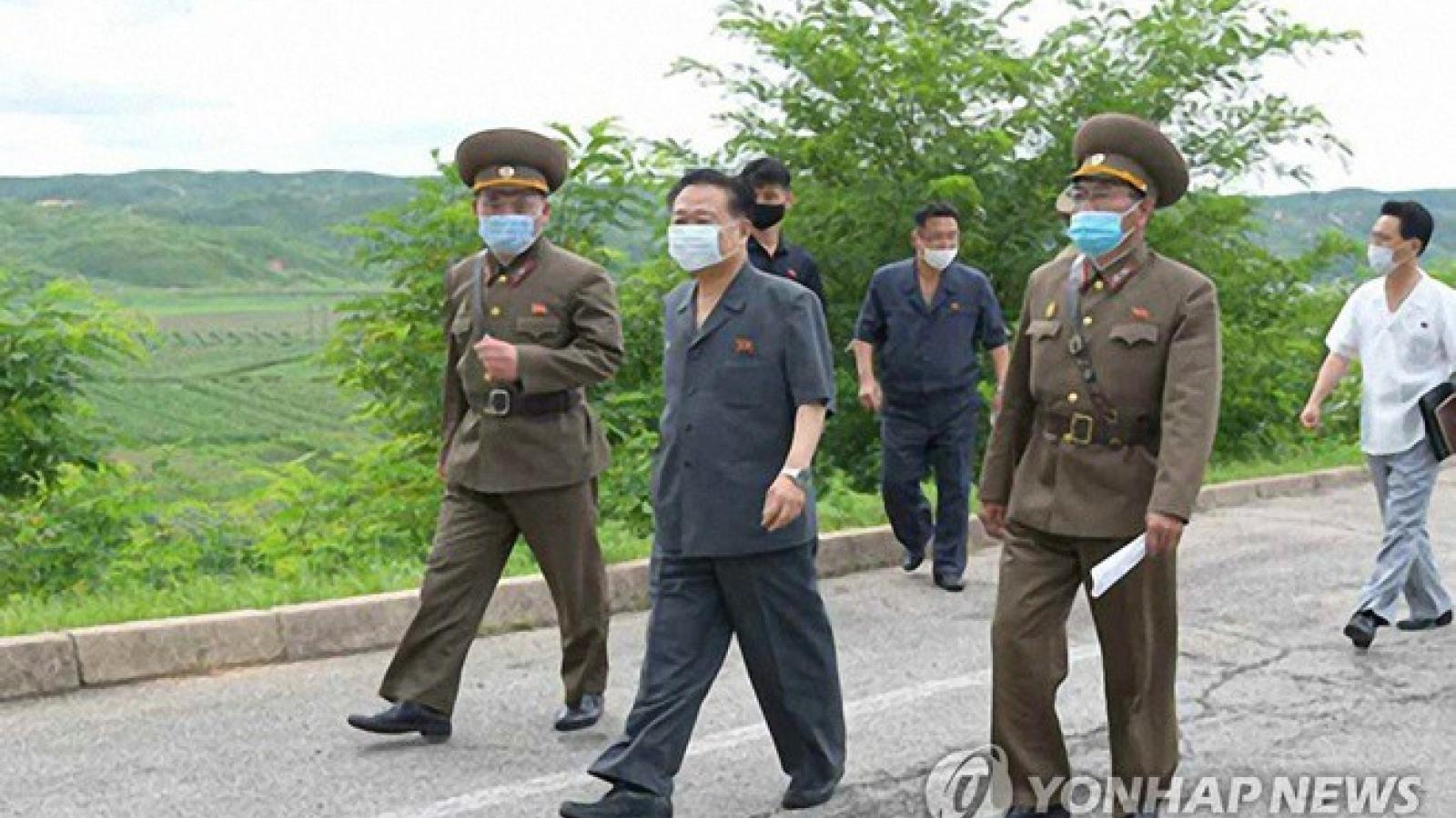 Triều Tiên thắt chặt kiểm soát các lối vào thủ đô để ngăn chặn Covid 19