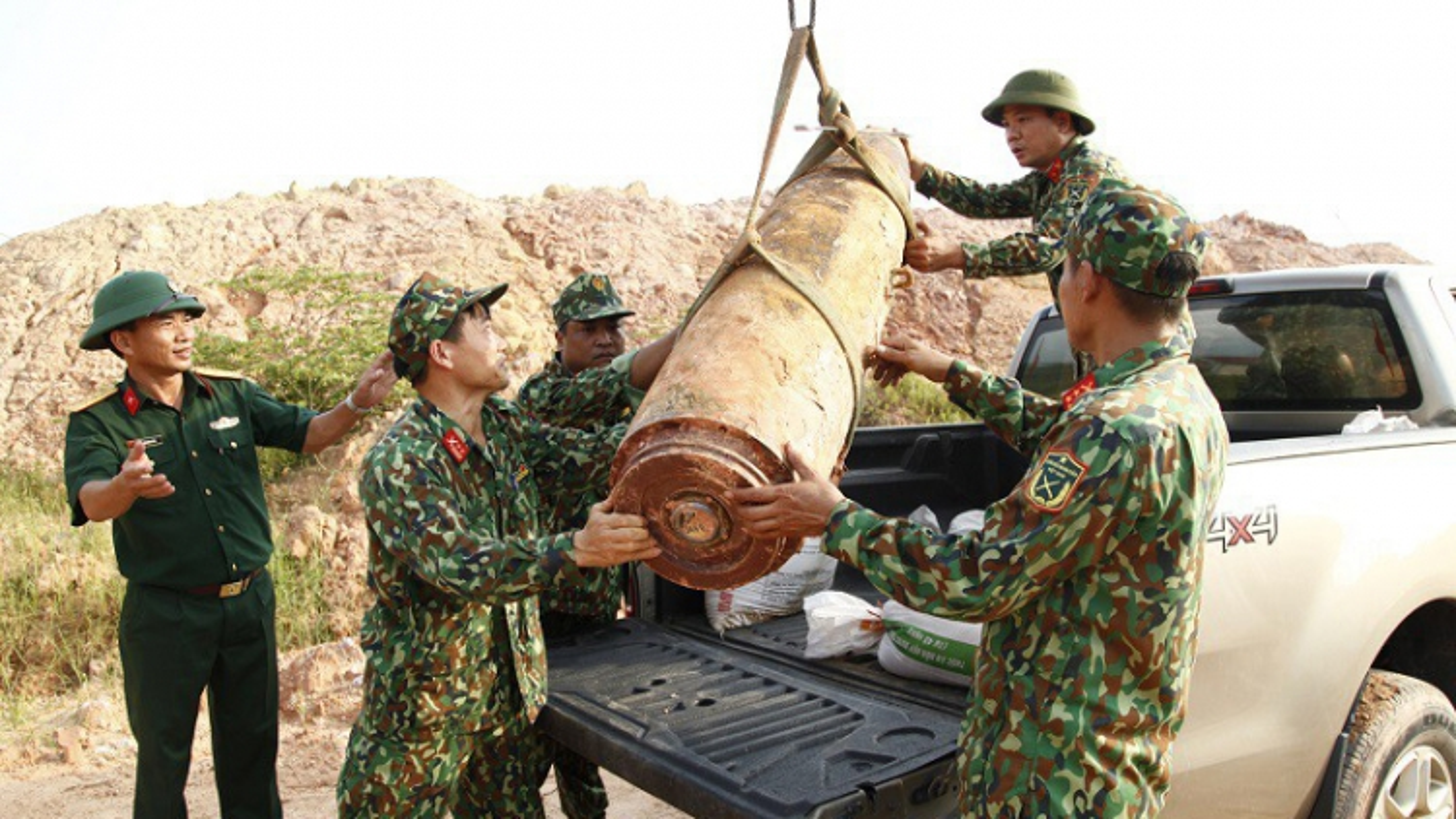 Quảng Ninh di dời thành công quả bom nặng trên 450kg