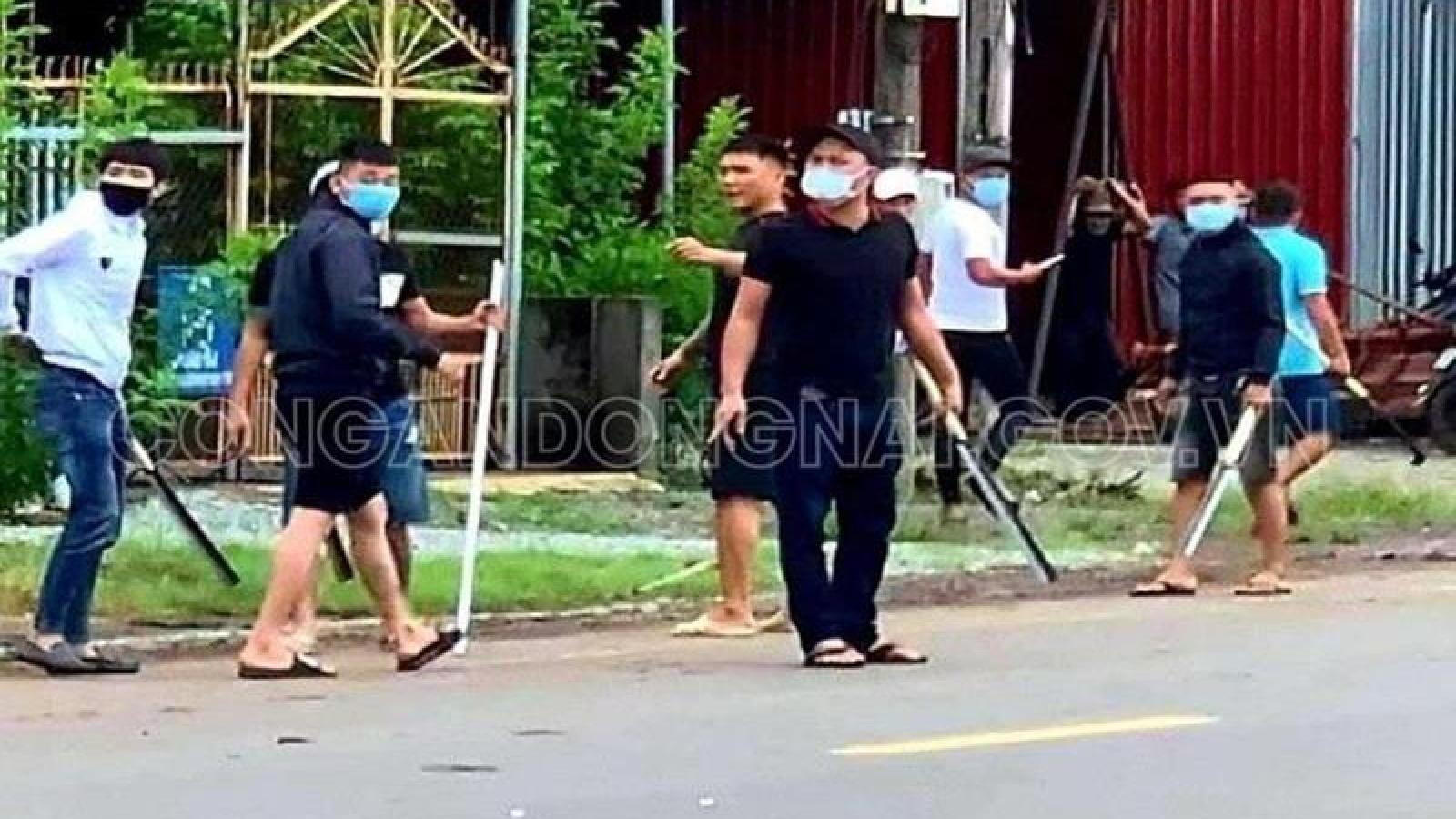 """Bắt khẩn cấp 9 đối tượng liên quan vụ """"đại náo"""" ở Đồng Nai"""