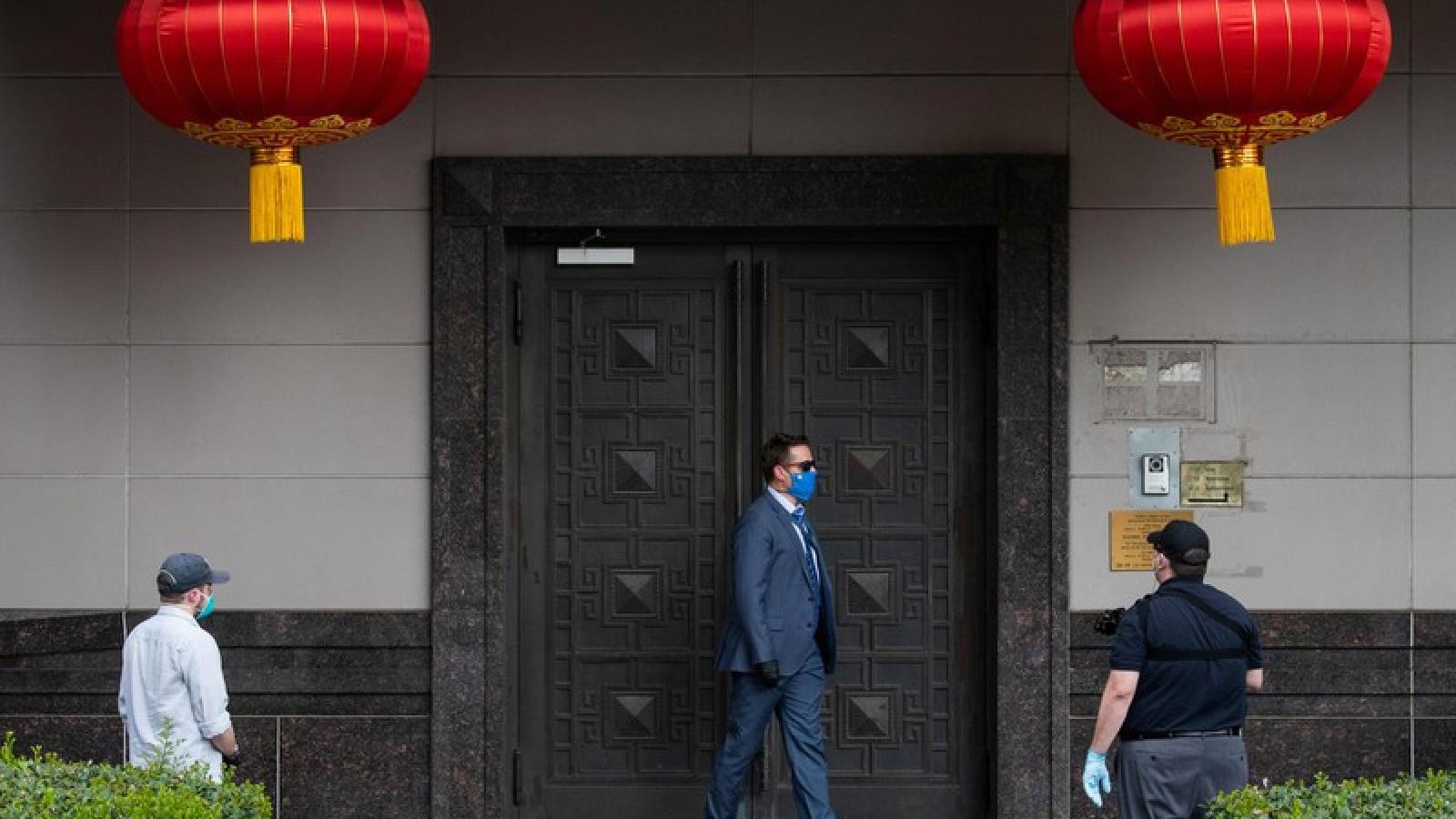"""Lãnh sự quán Trung Quốc ở Houston nằm """"trong tầm ngắm"""" của FBI từ lâu"""