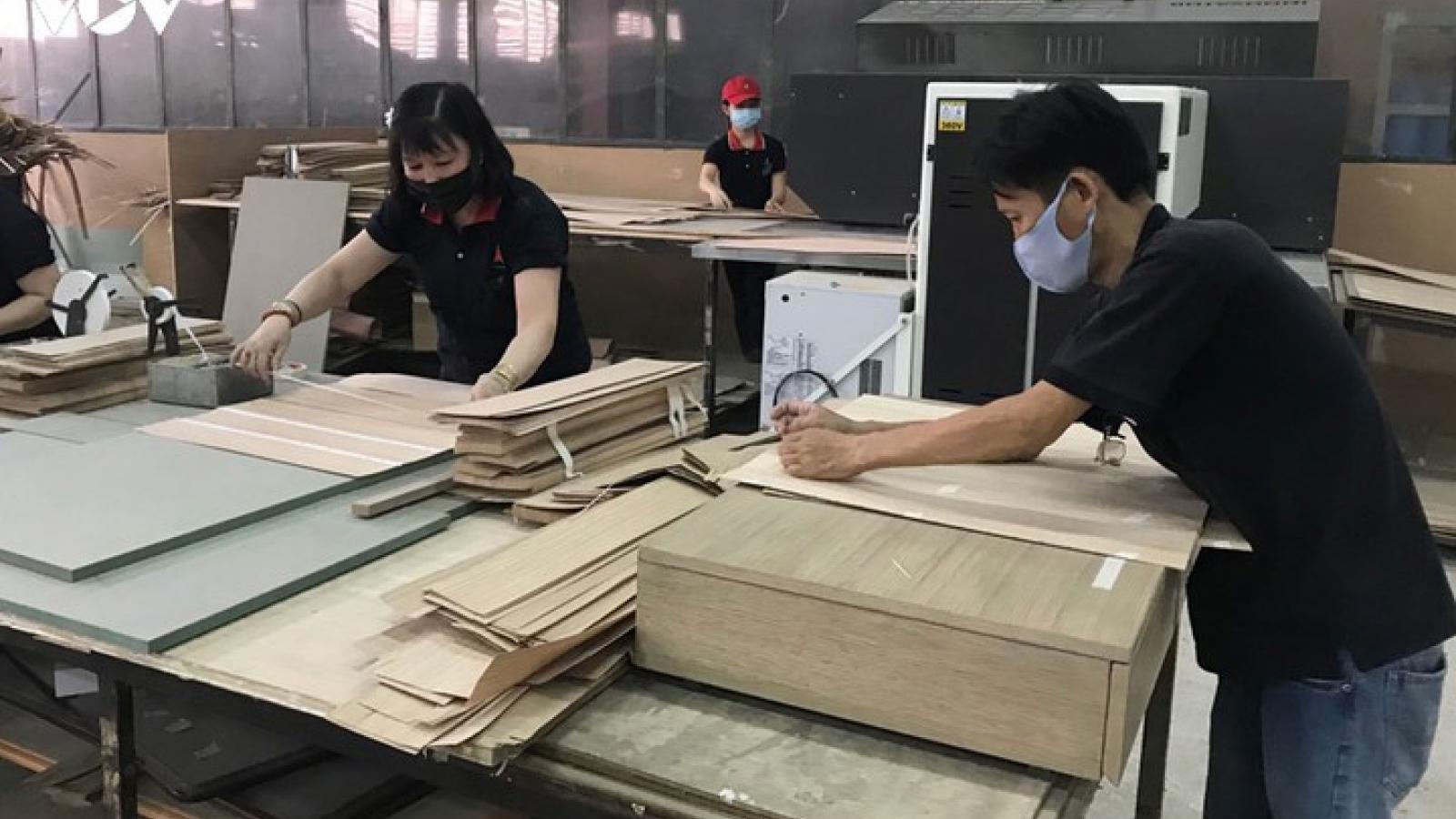 Quảng Nam kiến nghị hỗ trợ 1 triệu đồng/CNLĐ bị ảnh hưởng bởi Covid 19