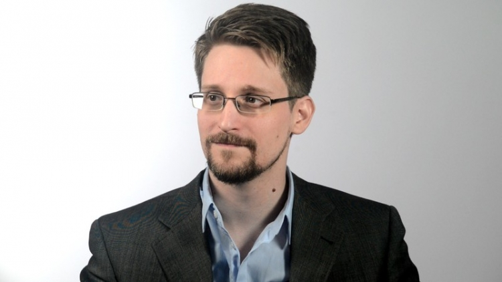 Ông Trump tuyên bố xem xét xá tội cho Edward Snowden
