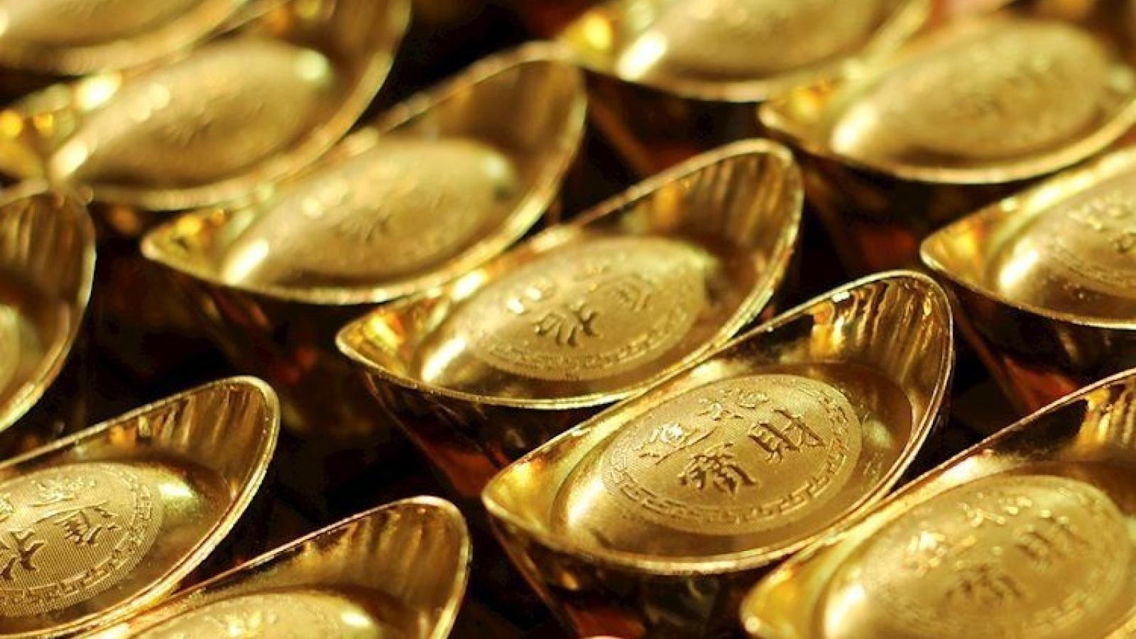 Vàng trong nước lao dốc mạnh, xuống dưới mức 56 triệu đồng/lượng