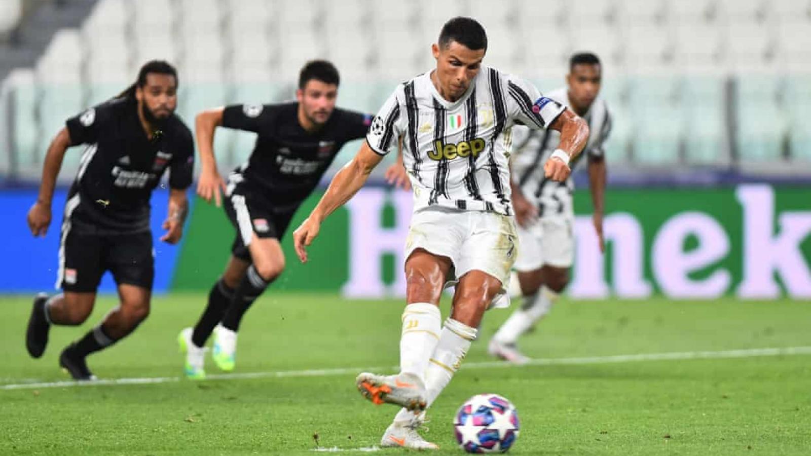 Ronaldo tỏa sáng trước Lyon, Juventus vẫn bị loại khỏi Champions League