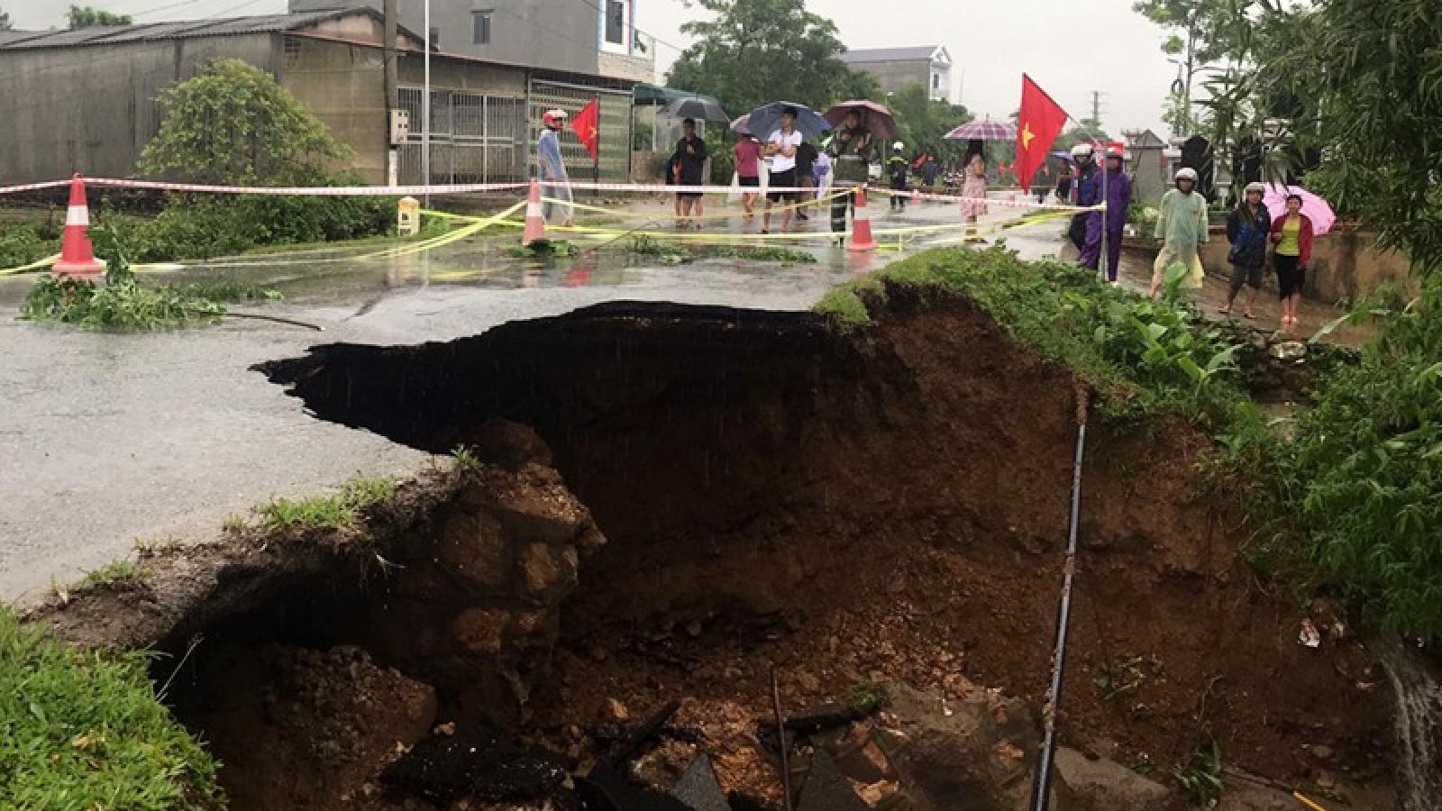 Các tỉnh Tây Bắc rà soát di dời dân ra khỏi khu vực nguy hiểm do mưa lũ