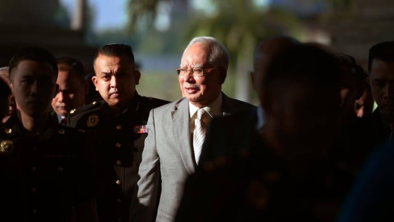 Cựu Thủ tướng Malaysia Najib Razak bị tuyên án 12 năm tù
