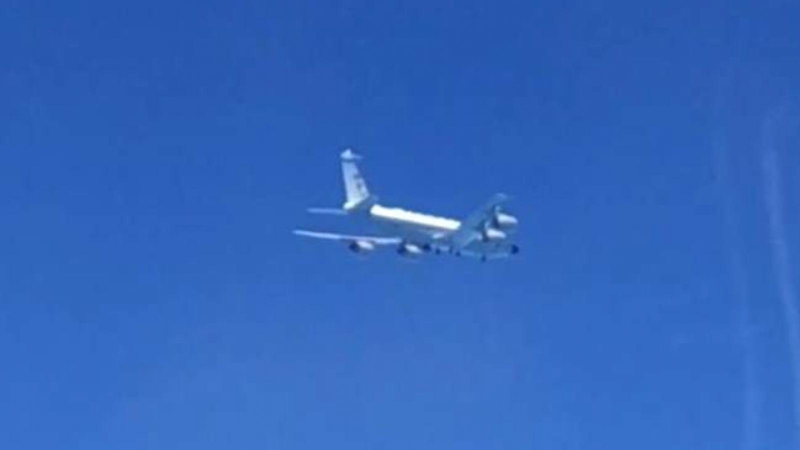 Nga chặn hai máy bay Mỹ trên Biển Đen