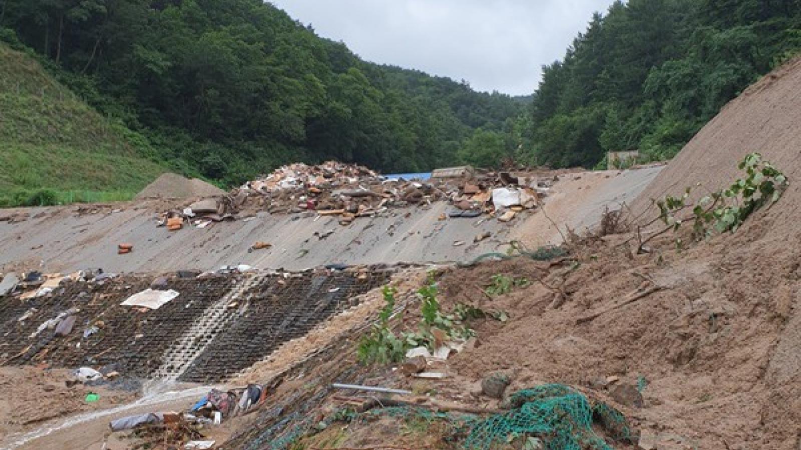 Hàn Quốc chống chọi với mưa lũ lớn, 6 người thiệt mạng