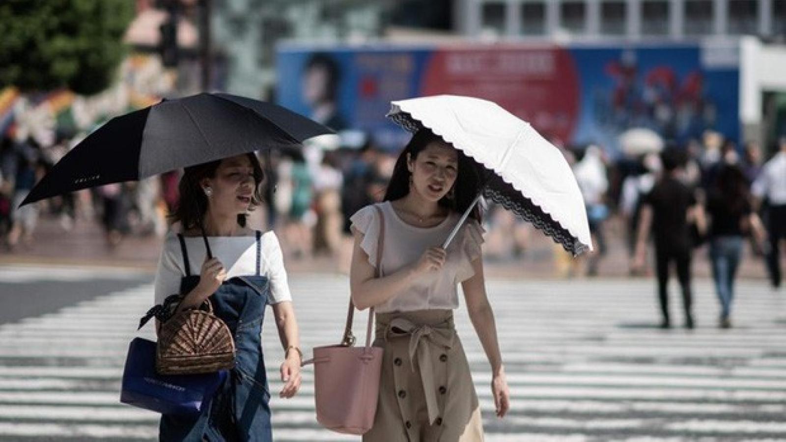 Nắng nóng kéo dài, hàng trăm người Nhật Bản tử vong do sốc nhiệt