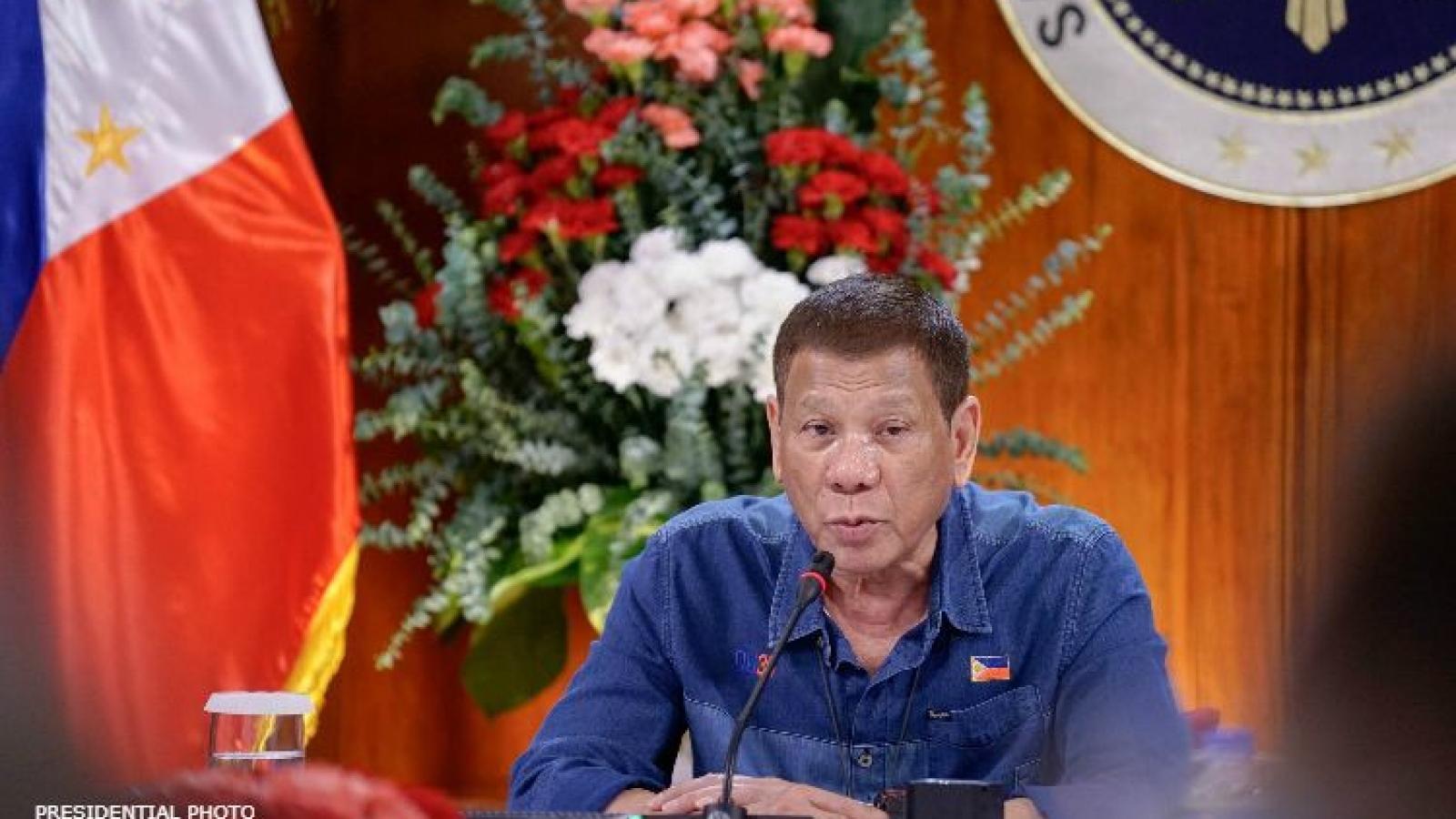 """Tổng thống Philippines thừa nhận """"cạn"""" tiền hỗ trợ người dân chống Covid-19"""