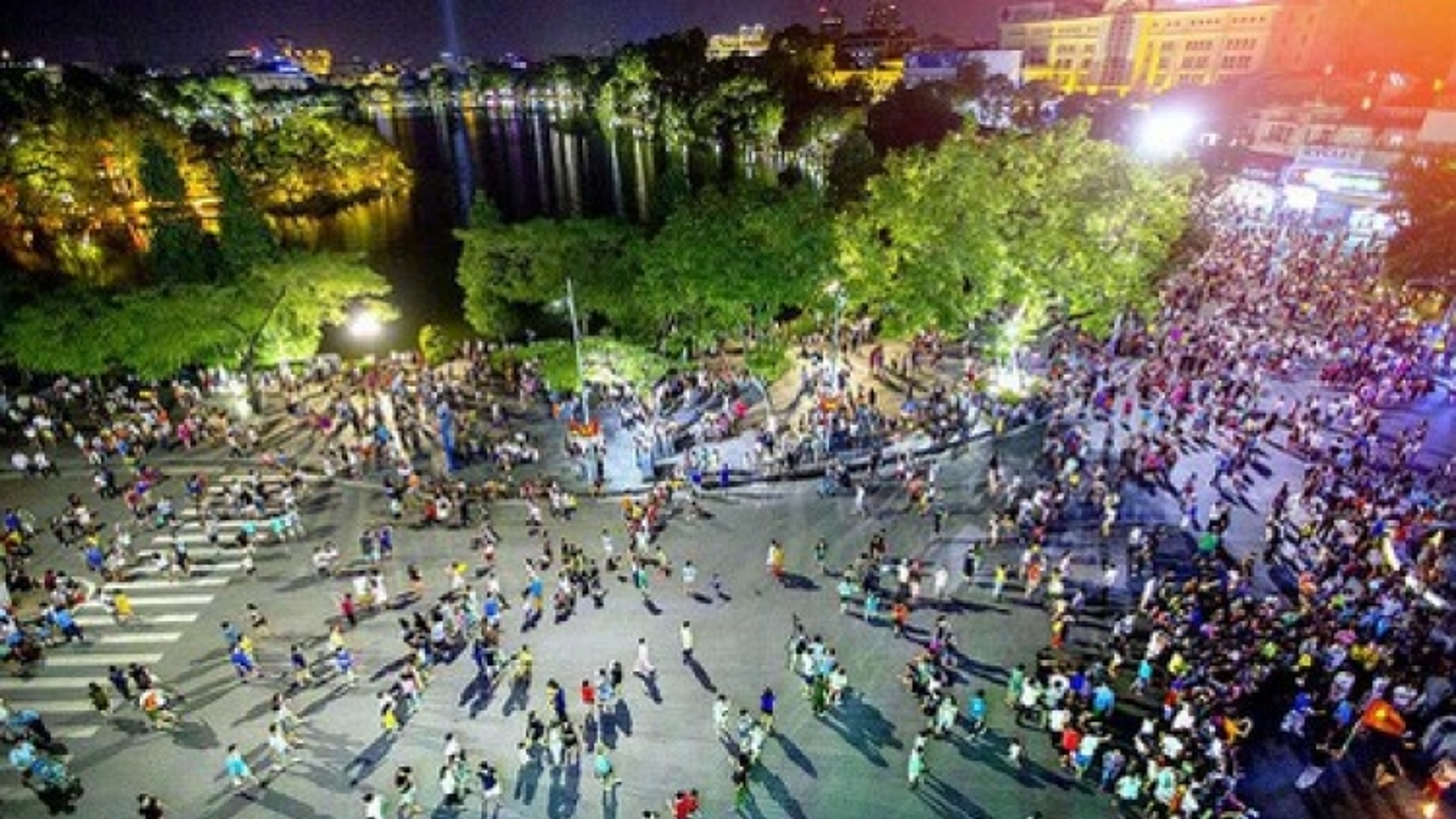 Hanoi capital closes pedestrian streets midnight August 21