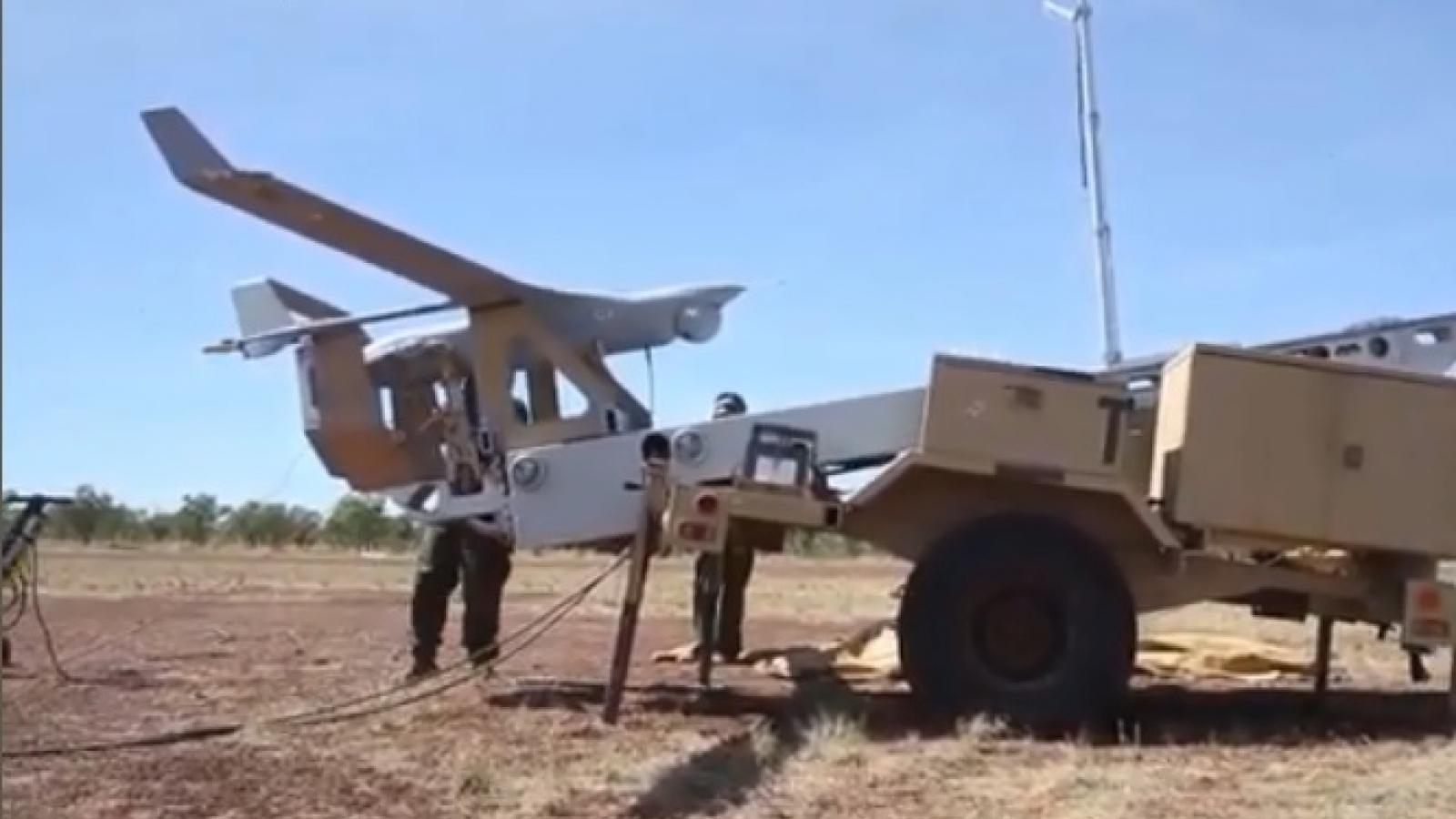 Toàn cảnh phóng máy bay không người lái RQ-21 Blackjack của quân Mỹ