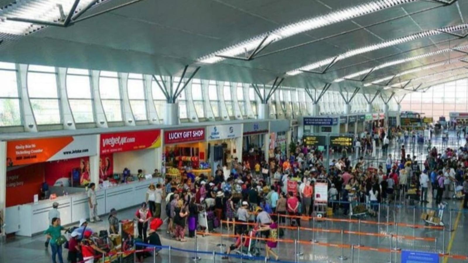 """Điều 3 """"siêu máy bay"""" A350 đưa 700 khách mắc kẹt rời Đà Nẵng"""