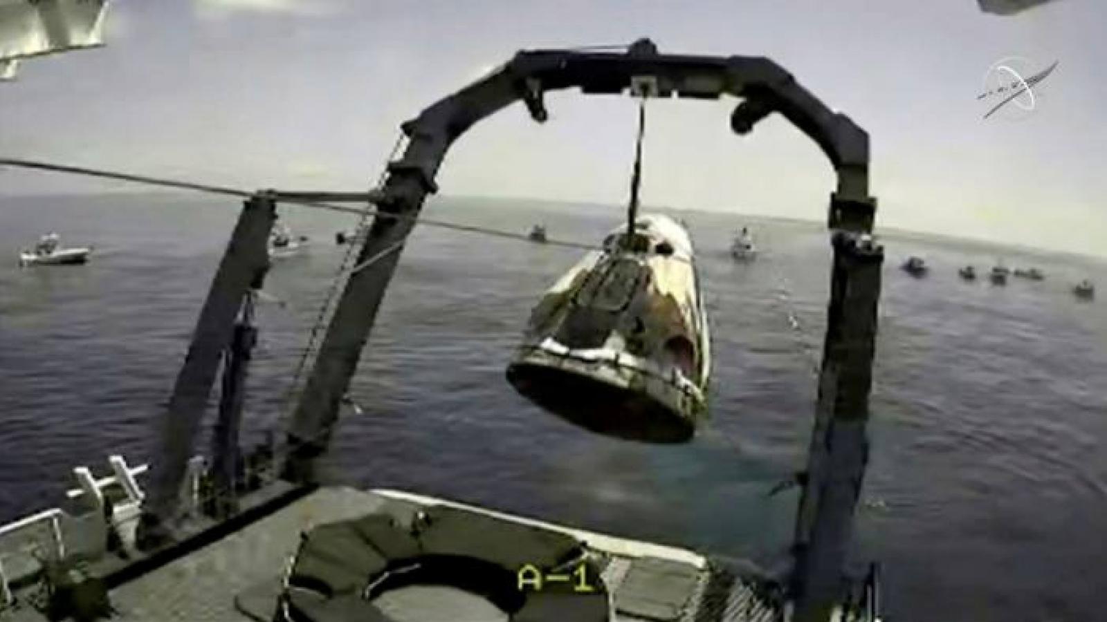 Tàu SpaceX đưa 2 phi hành gia trở về Trái Đất an toàn