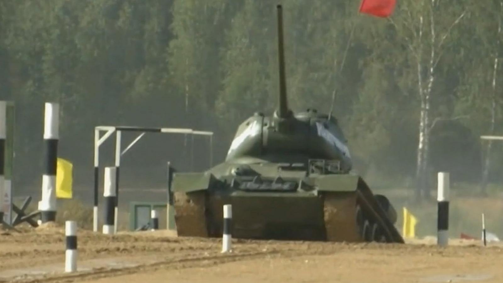 Video: Xe tăng T-34 chạy và bắn đầy uy lực trong hội thao quân sự quốc tế 2020