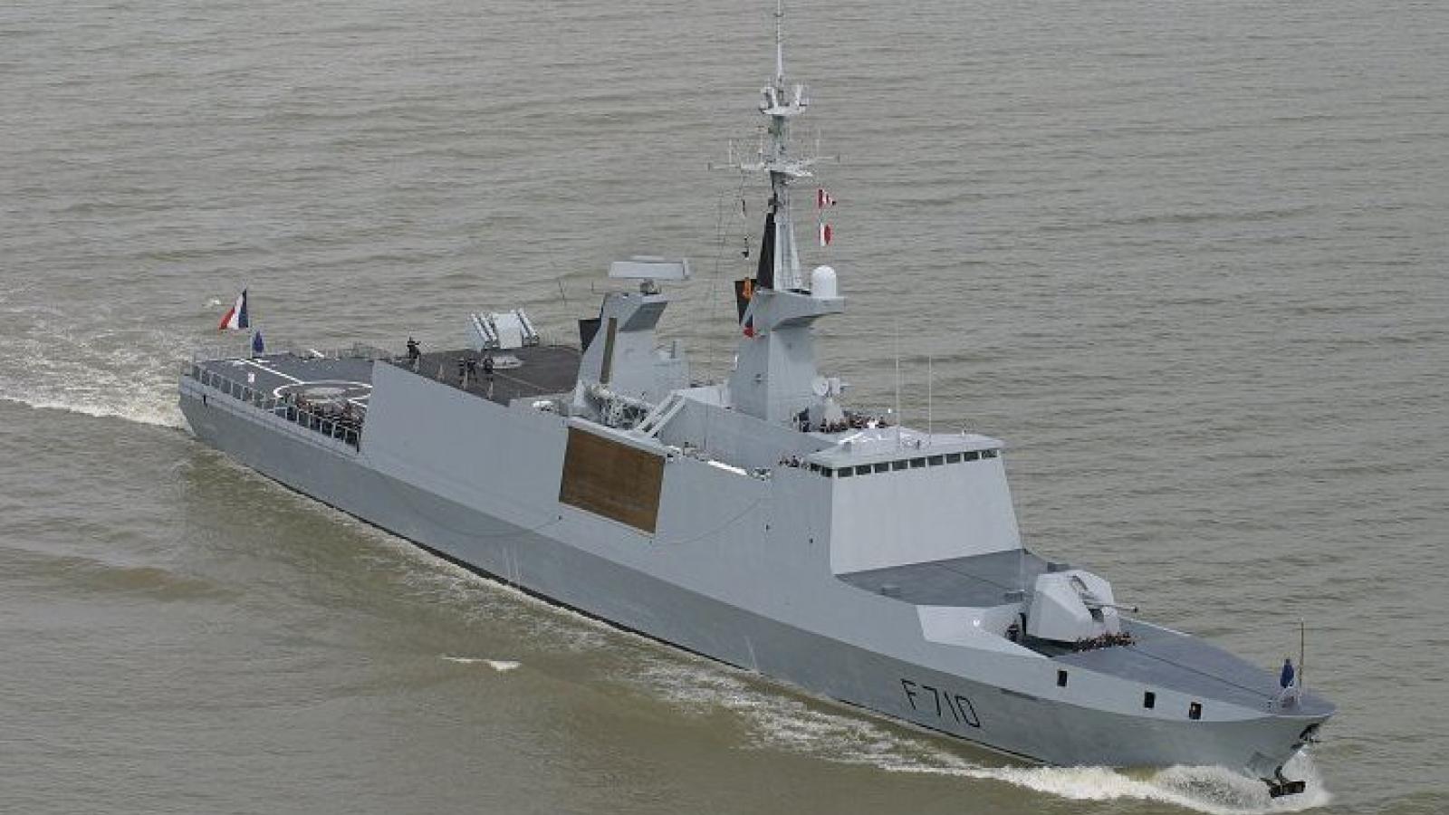 Pháp gửi máy bay chiến đấu và tàu khu trục tới Địa Trung Hải