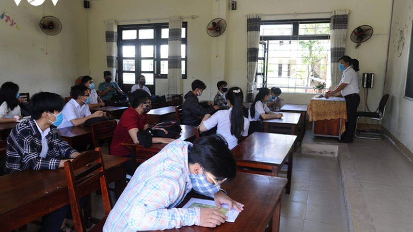 Thầy giáo coi thi mắc Covid-19 ở Quảng Nam: Xét nghiệm 1.295 F1 và F2