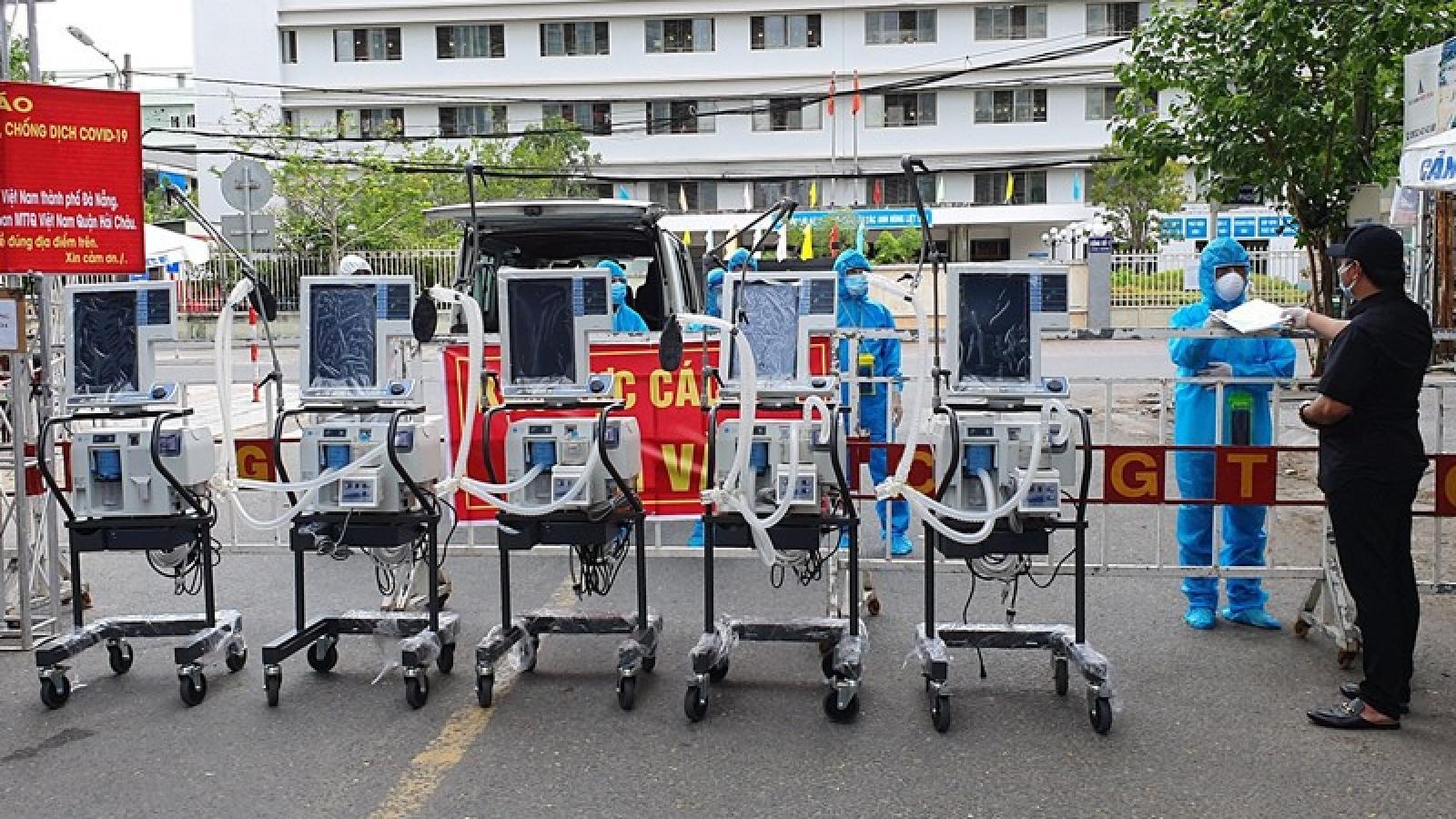 Thêm 5 máy thở hiện đại gần 3 tỉ đồng trao cho BV Đà Nẵng