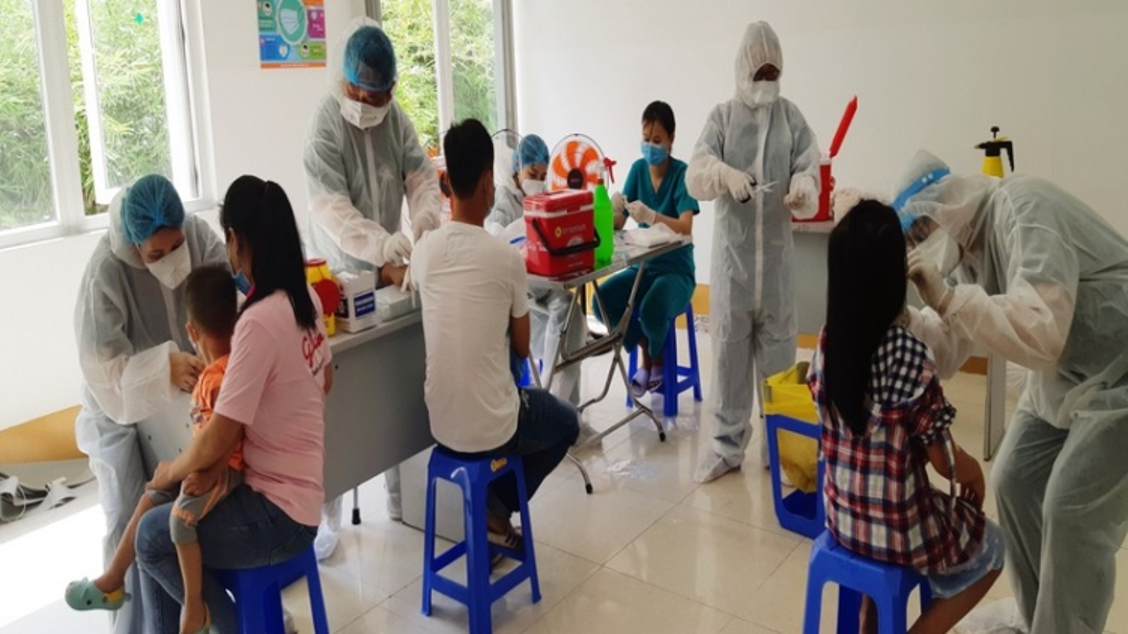 TPHCM đã lấy mẫu xét nghiệm cho 21.260 người về từ Đà Nẵng