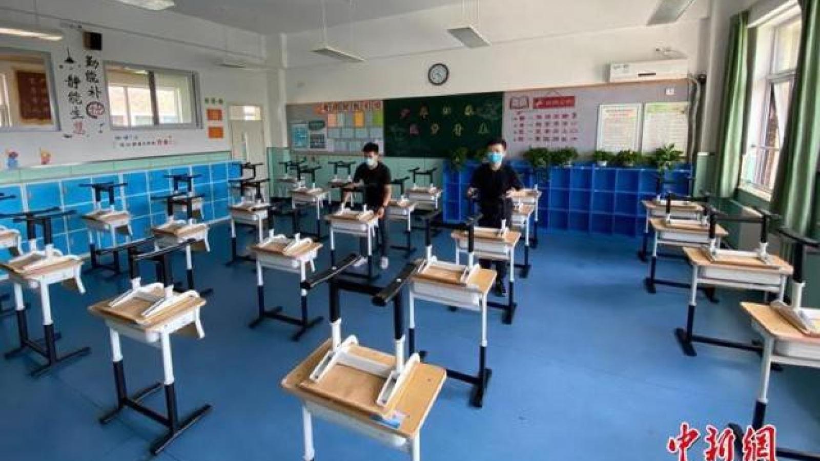 Tỷ lệ học sinh cận thị ở Trung Quốc tăng sau nửa năm học trực tuyến vì Covid-19