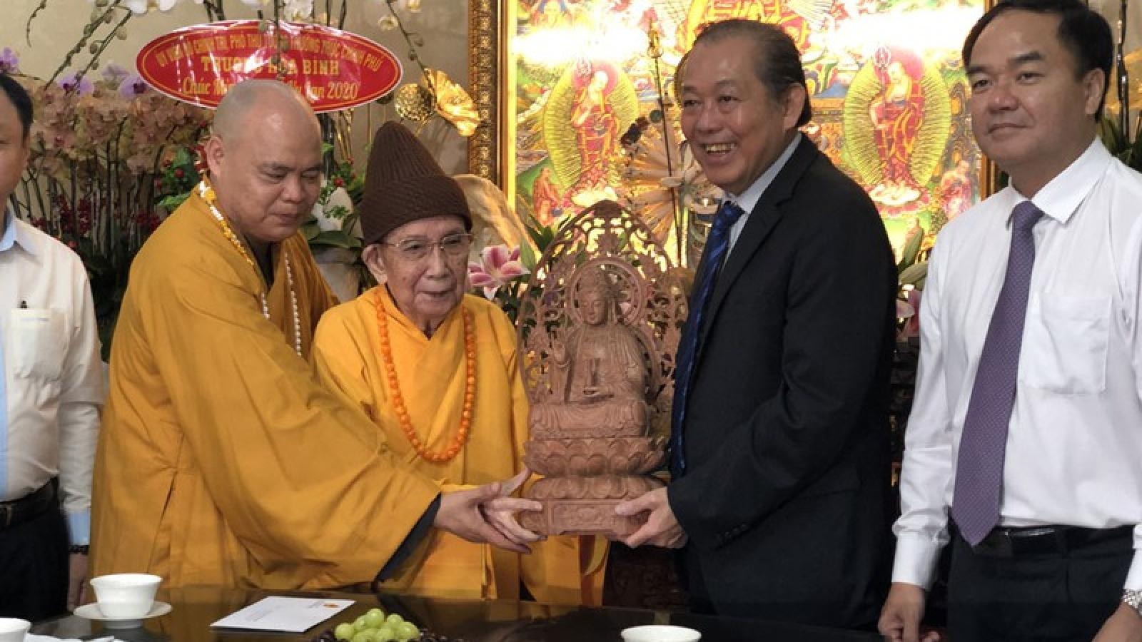 Phó Thủ tướng Trương Hòa Bình chúc mừng Đại lễ Vu lan tại TPHCM