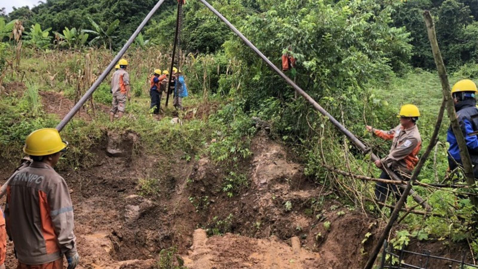 3.000 khách hàng Sơn La có lại điện sau 48 giờ xảy ra sự cố do mưa lũ