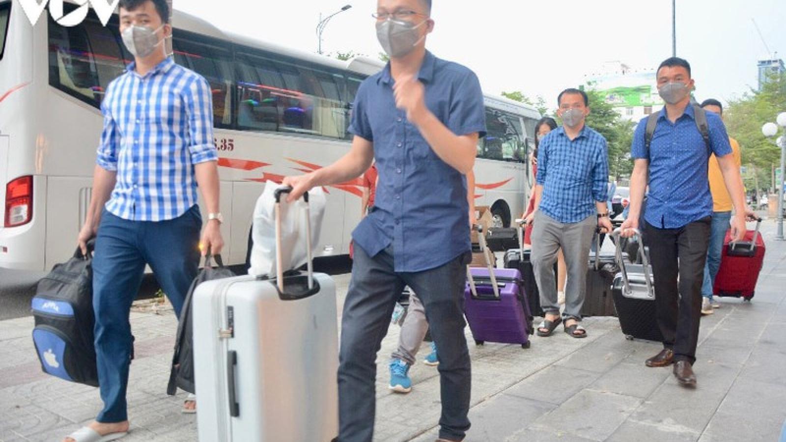16 bác sĩ Nghệ An vào giúp Đà Nẵng chống dịch Covid-19