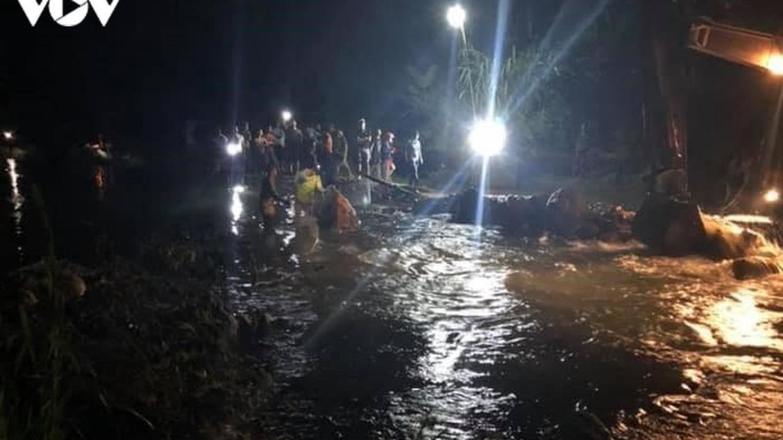 Bé trai 9 tuổi cùng bố từ miền Trung ra Lào Cai chơi, bị đuối nước thương tâm