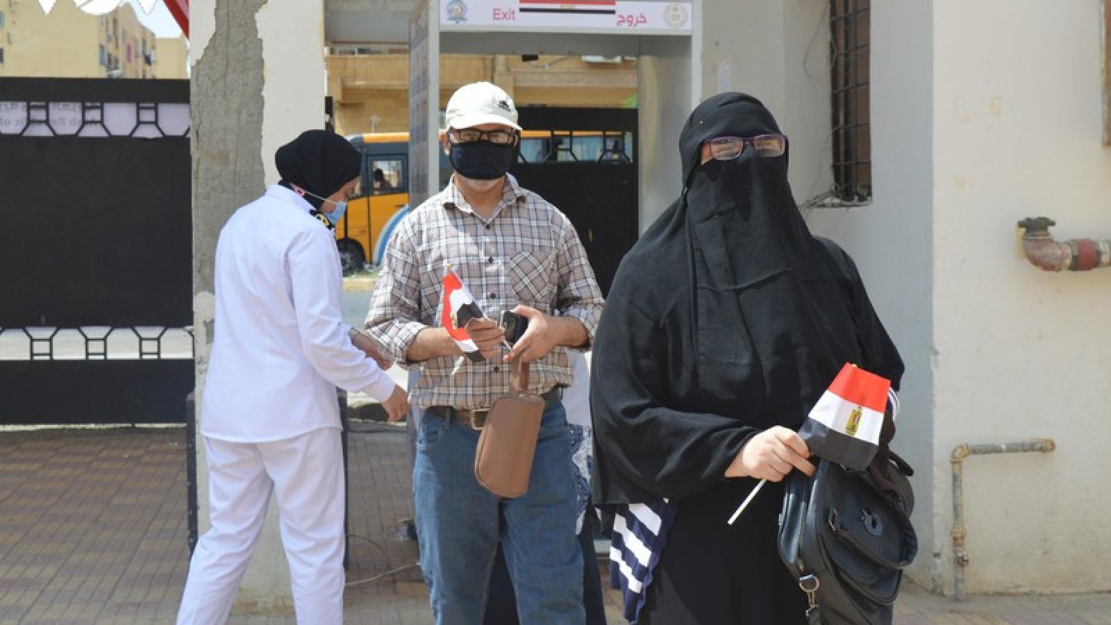 Hơn 14% cử tri Ai Cập đi bầu cử Thượng viện