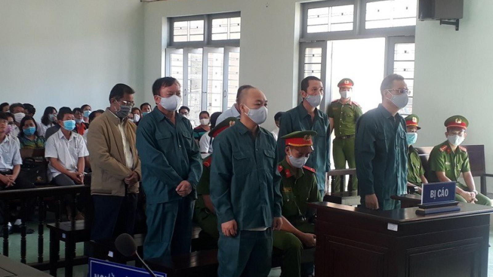 Ký 32 quyết định sai phạm về đất đai, cựu Chủ tịch TP Phan Thiết nhận án treo