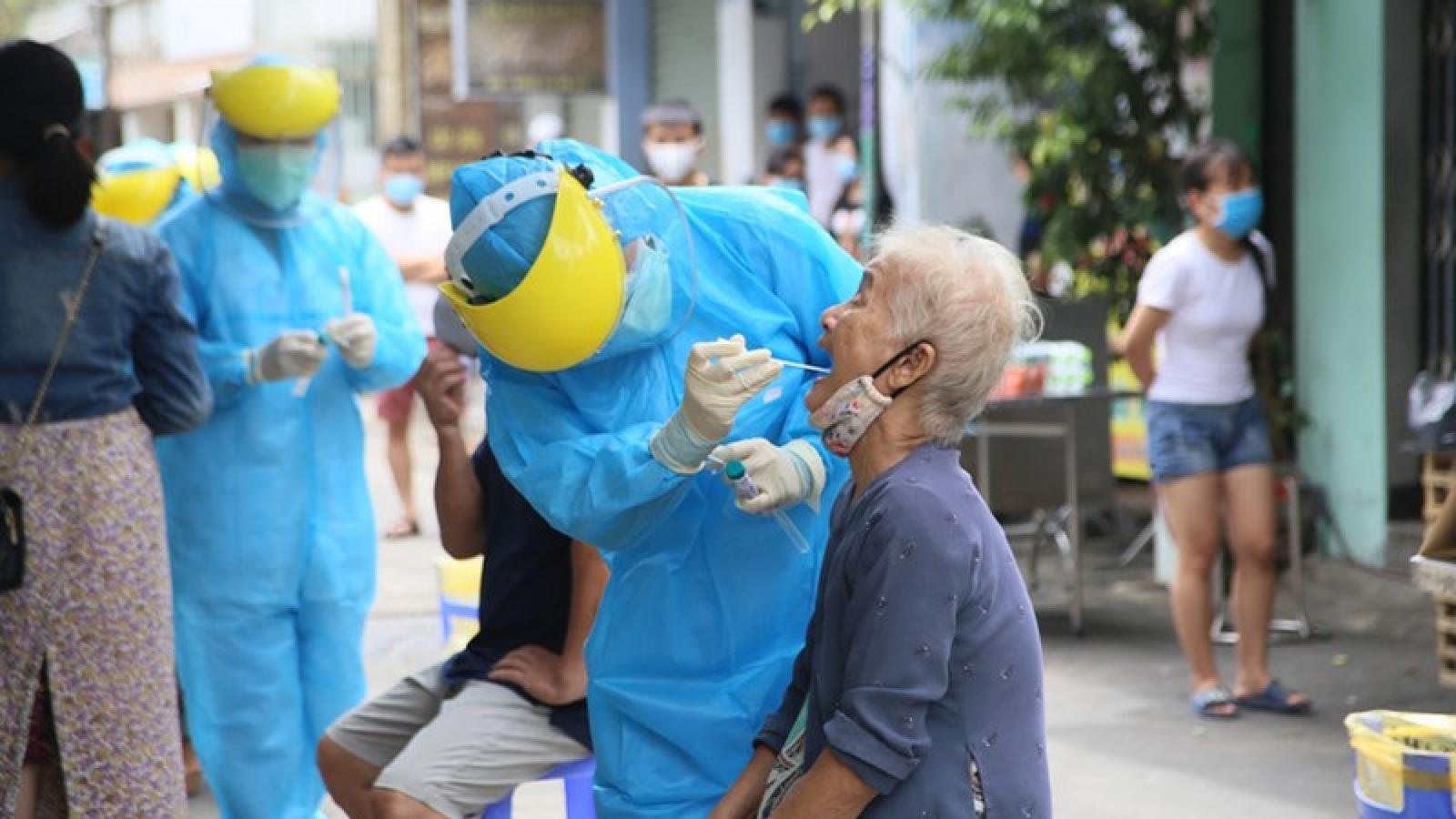 Sinh viên Đà Nẵng hỗ trợ ngành y tế truy vết F1, F2