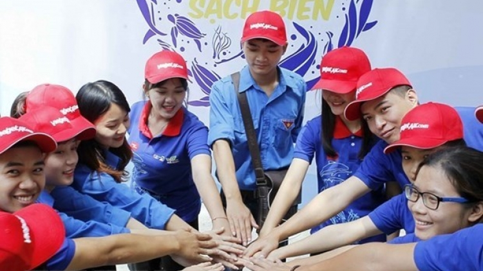 Youths confident in Vietnam's future development: Survey
