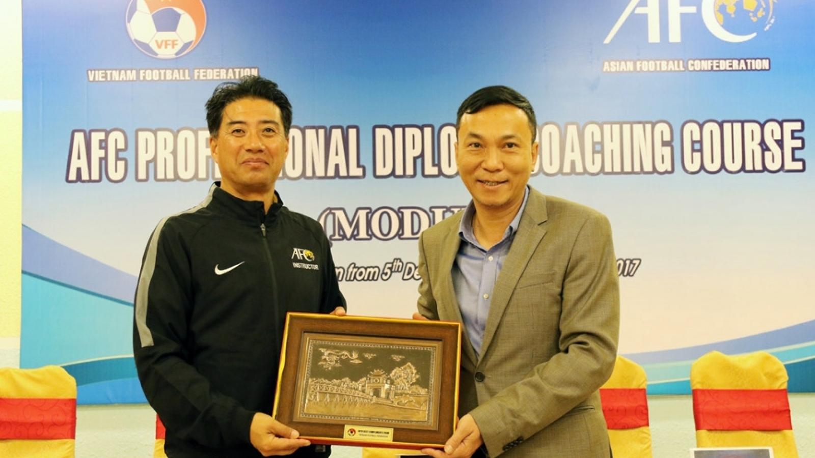 Giám đốc kỹ thuật tài năng của VFF đã có mặt ở Việt Nam