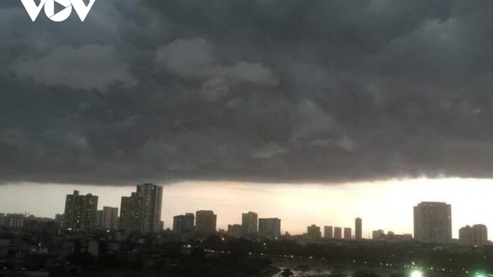 Cảnh báo: Hà Nội sắp xuất hiện mưa dông, có khả năng xảy ra lốc, sét