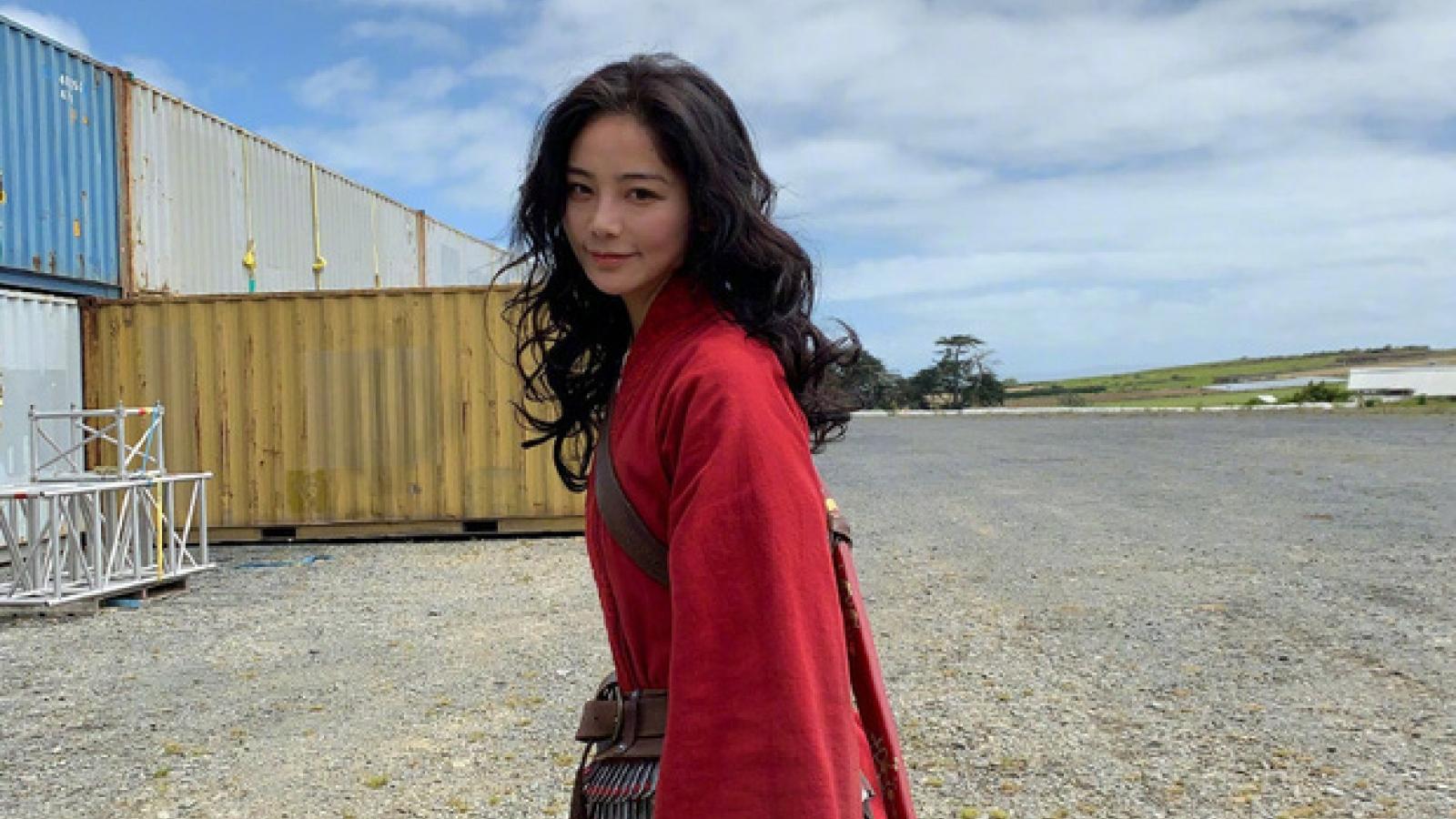 """Nhan sắc nữ diễn viên đóng thế """"lấn át"""" Lưu Diệc Phi trong """"Mulan"""""""