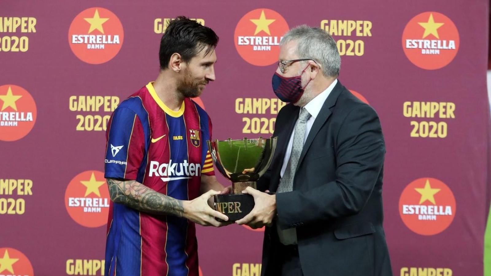 Messi có danh hiệu đầu tiên sau ngày ở lại Barca