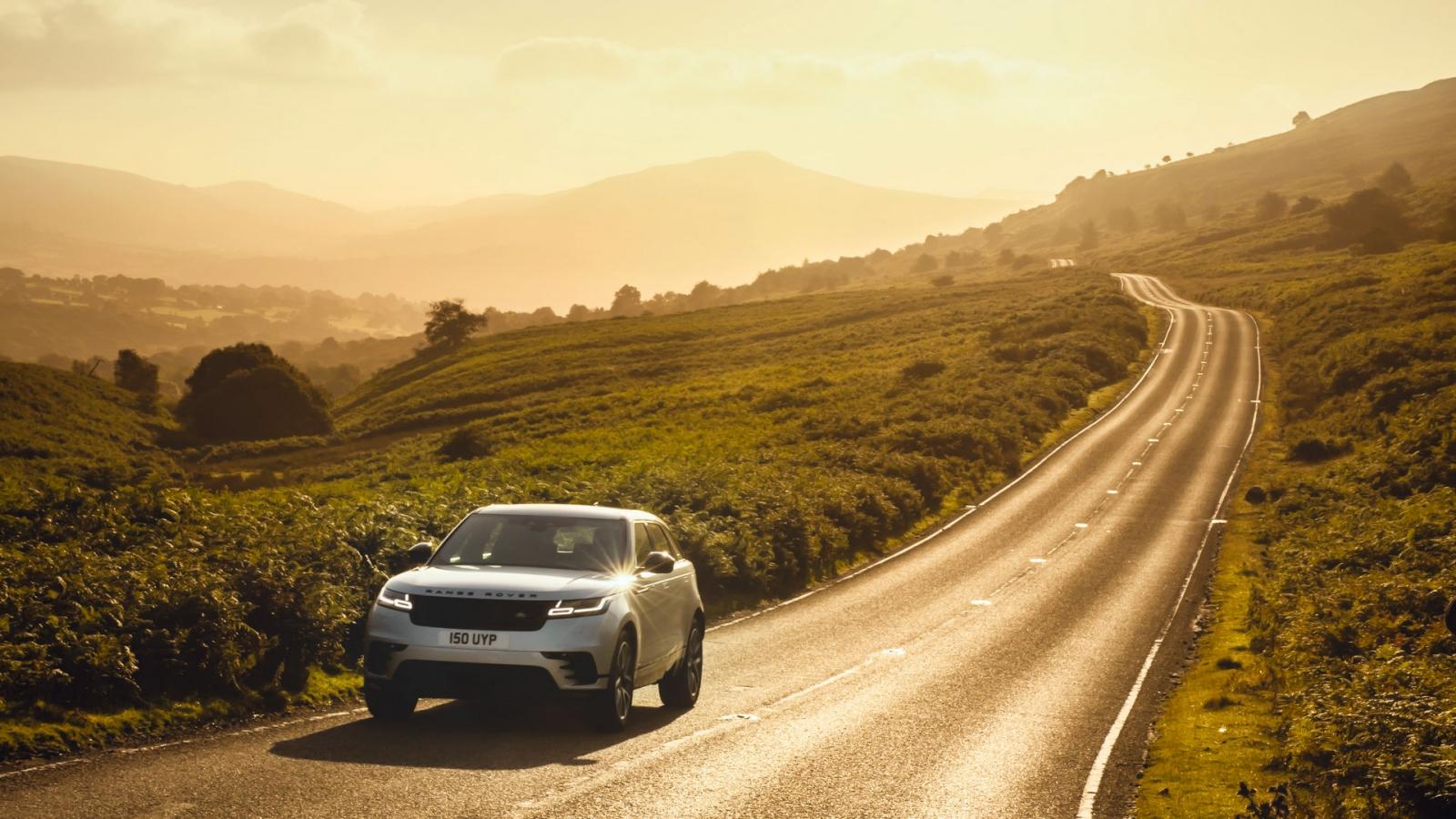 Range Rover Velar 2021 được trang bị động cơ plug-in hybrid mới