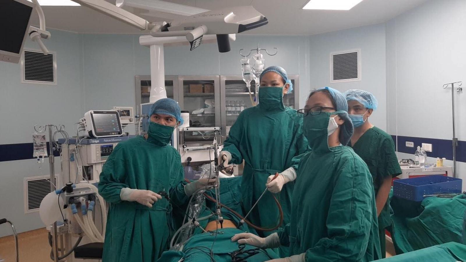 Phẫu thuật kịp thời cứu thai phụ chửa kẽ tử cung cực hiếm