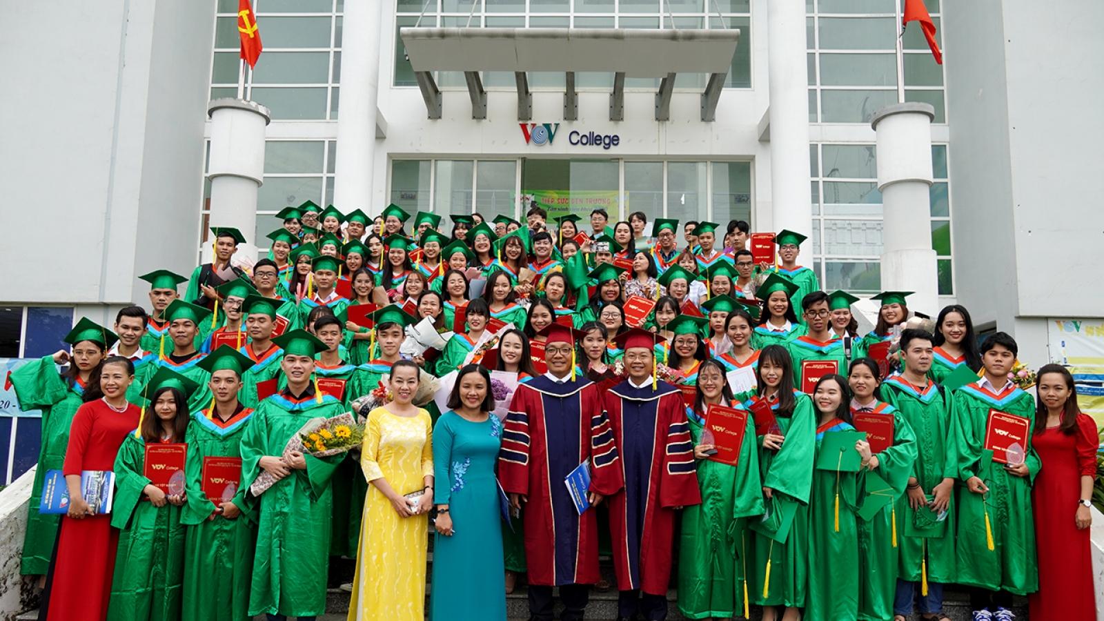 VOV College bế giảng khóa2018 - 2020: Đào tạo gắn với thực tiễn