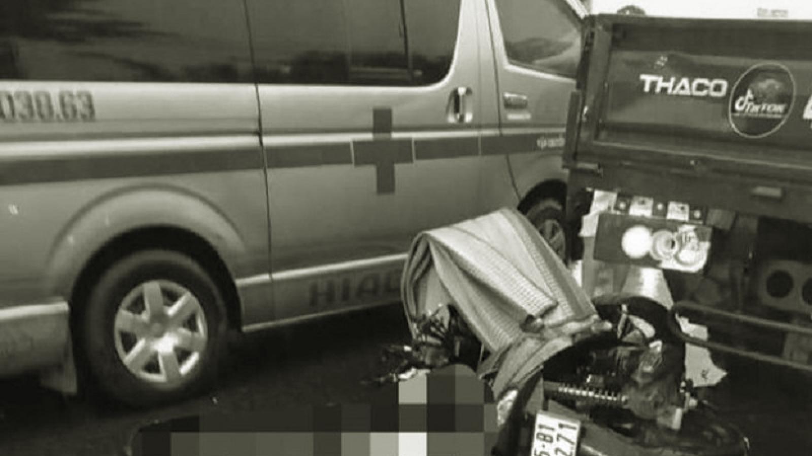 Xe máy tông vào đuôi xe tải trong đêm, 2 thanh niên tử vong tại chỗ