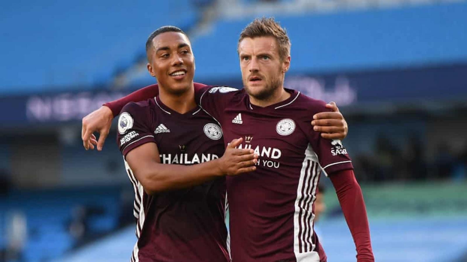 Jamie Vardy lập hat-trick, Leicester nhấn chìm Man City ngay tại Etihad