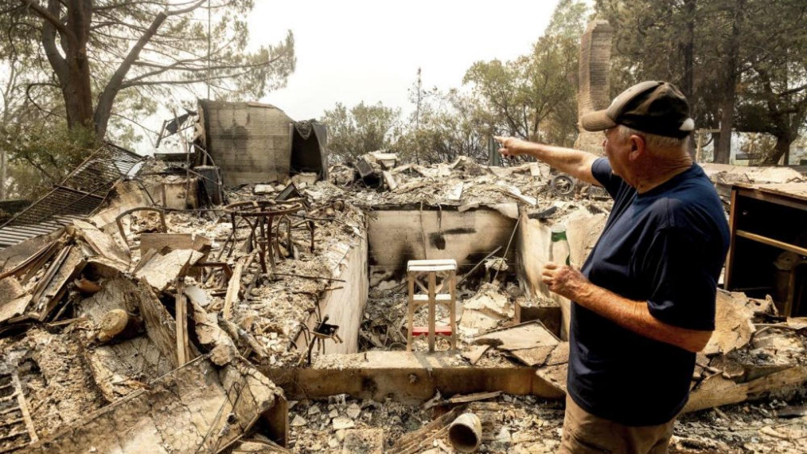 Vệ binh Quốc gia Mỹ giải cứu hơn 200 người từ đám cháy rừng ở bang California