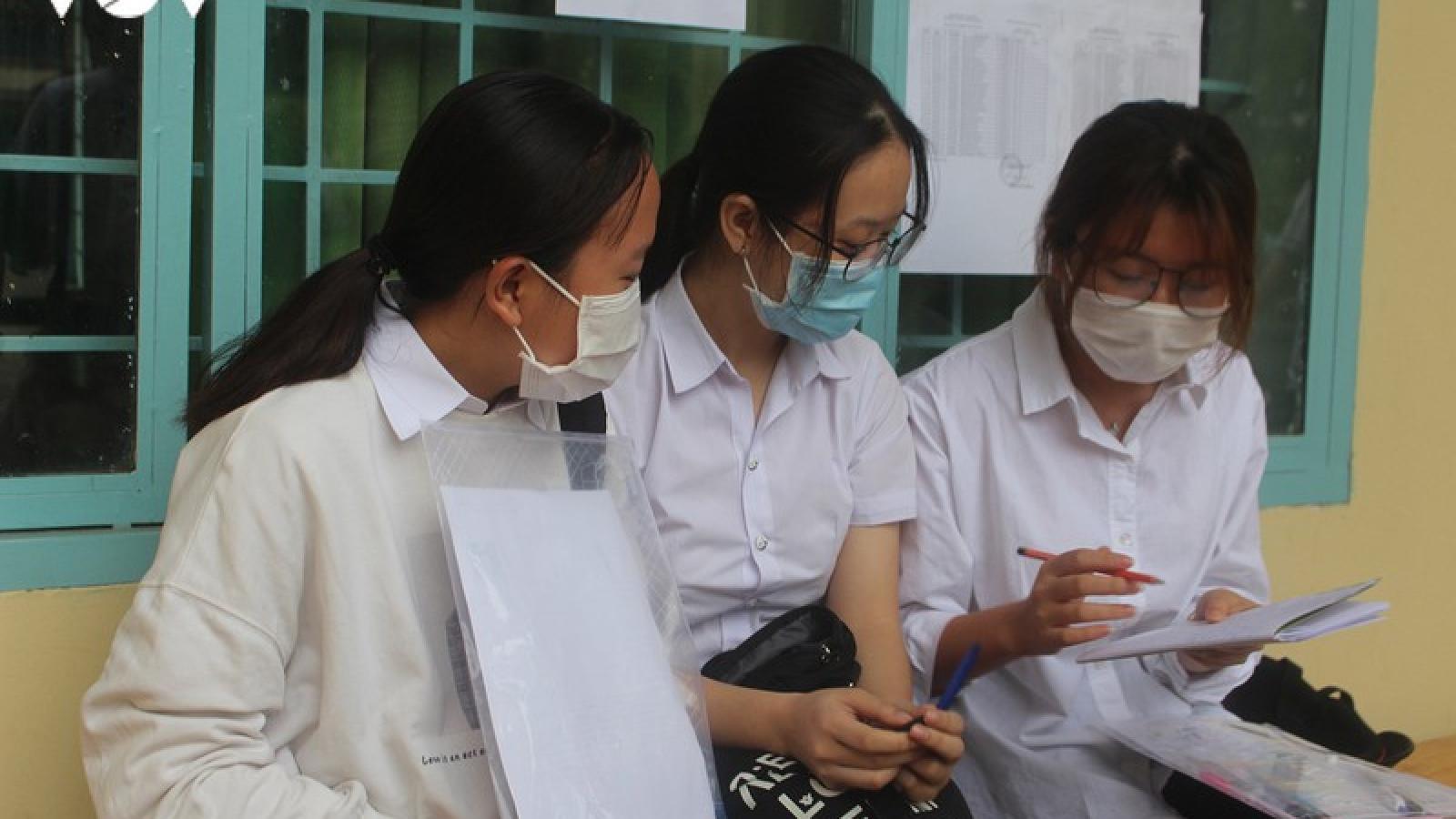 Thí sinh Đắk Lắk phấn khởi vì đề thi vừa sức