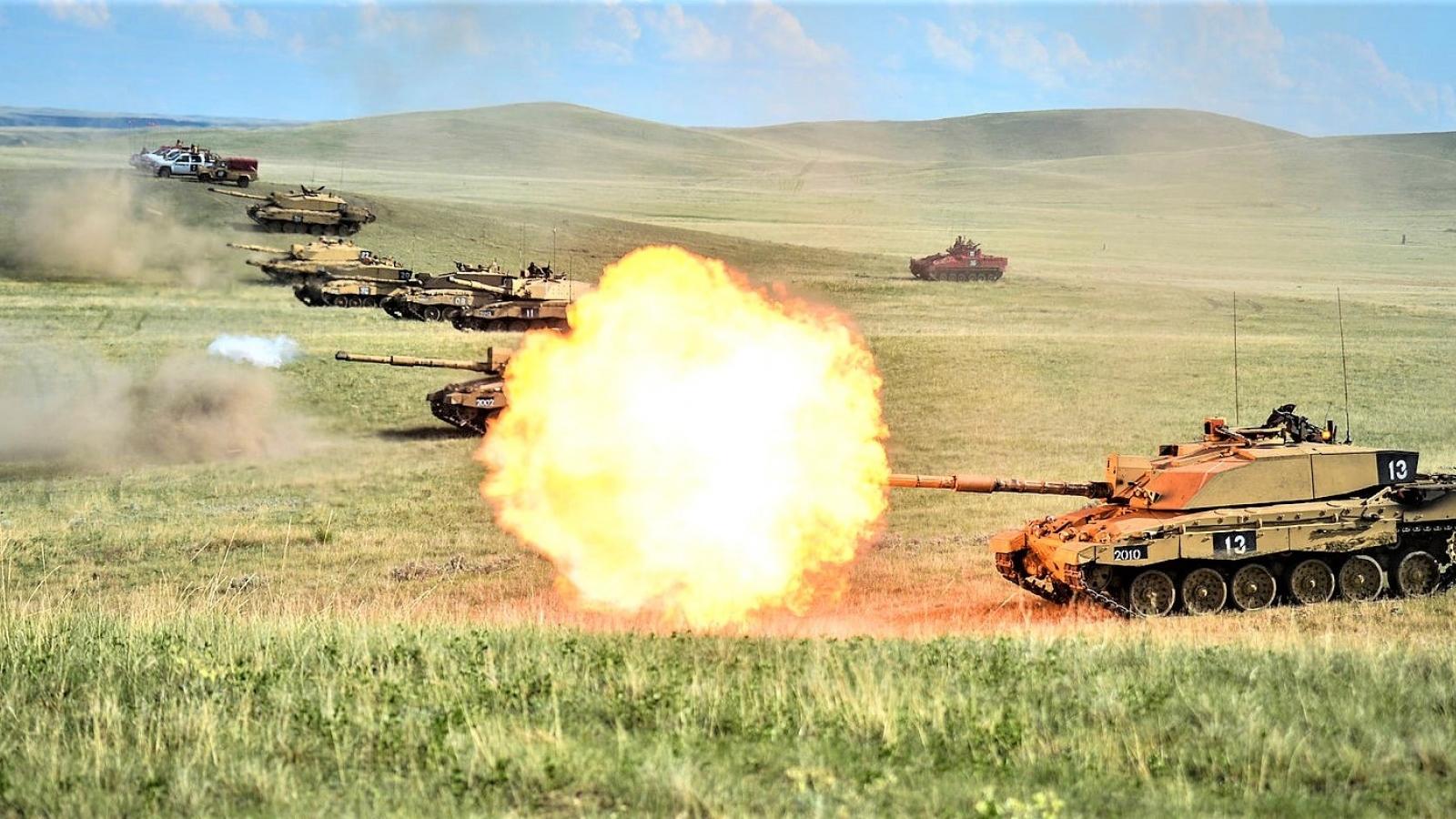 Anh loại bỏ xe tăng khỏi trang bị có là ý tưởng thức thời?