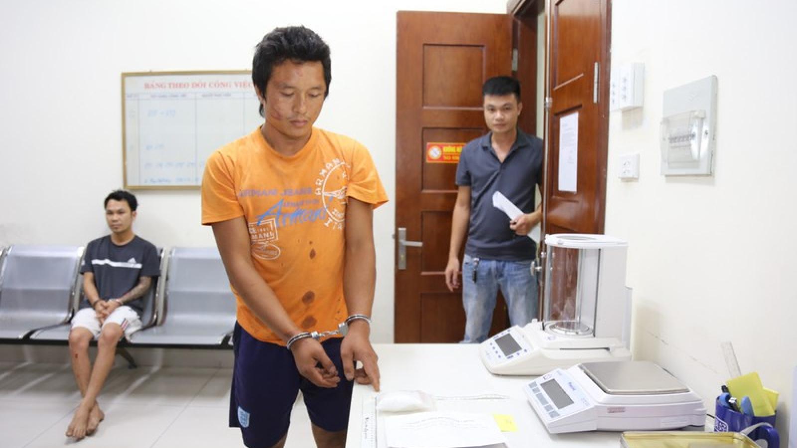 Một cán bộ công an Quảng Ninh bị đâm thủng bụng khi truy bắt tội phạm ma túy